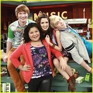 Austin-ally-premiere-today 3984