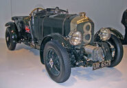 800px-1929 Bentley front 34 right