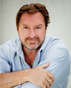 File:Stephen Root.png
