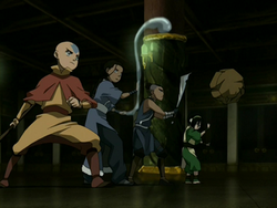 Team Avatar threatens the Earth King.png