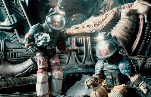 File:PILOT alien-1979-movie-photo-620x400.jpg