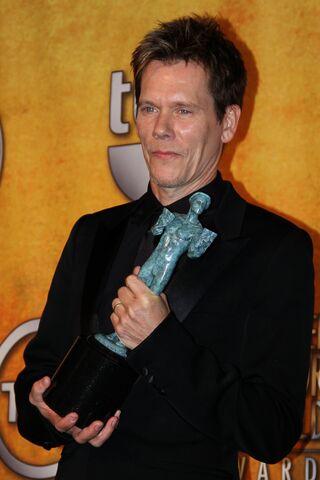 File:Kevin Bacon at the 2010 SAG Awards.jpg