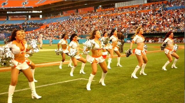 File:2007 Marlins Mermaids 2.jpg