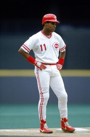 File:Baseball barry larkin 2004.jpg