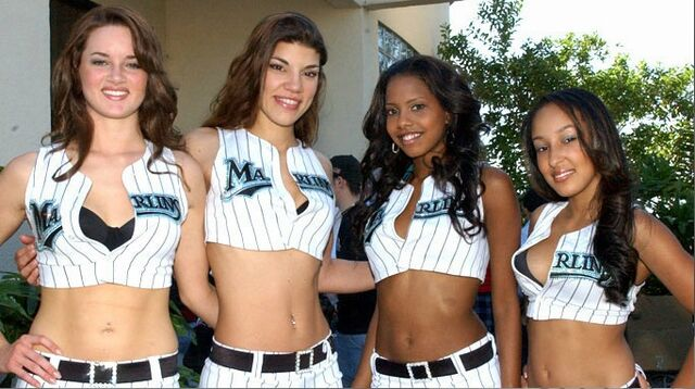 File:2007 Marlins Mermaids 4.jpg