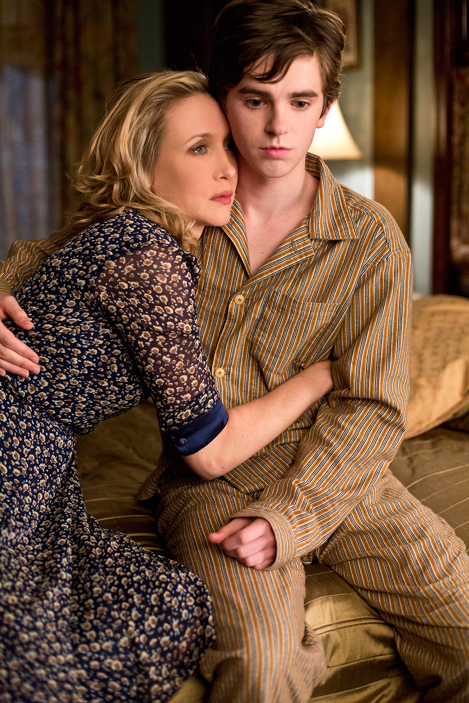 File:19-norma-comforts-norman.jpg
