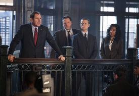Gotham1x02MayorBullockGordonEssen