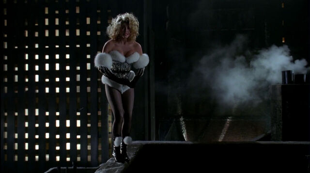 File:Batman-returns-disneyscreencaps.com-8973.jpg