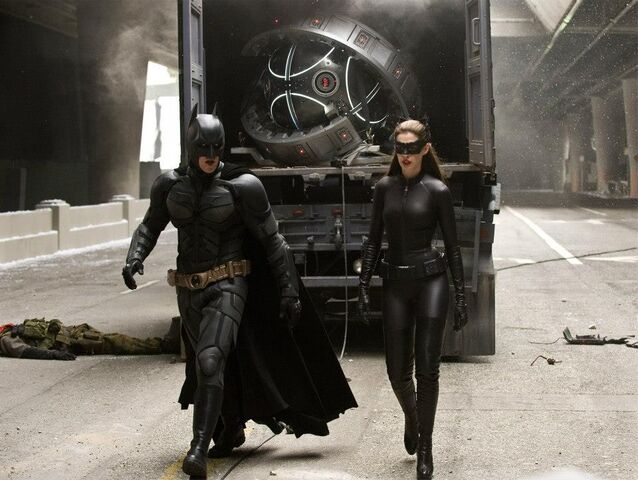 File:Batman Catwoman-TDKR.jpg