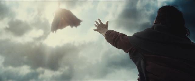 File:Batman v Superman 27.png