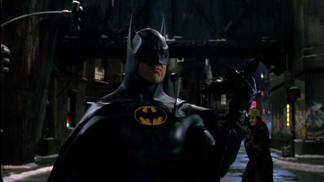 File:Batman Returns - Batarang.jpg