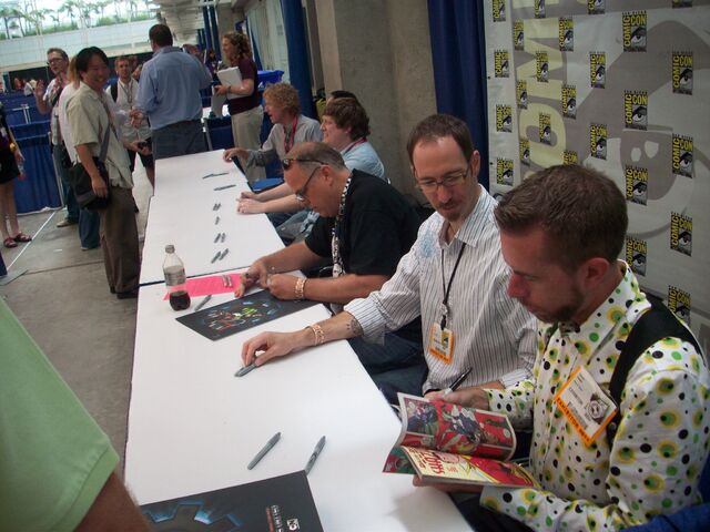 File:Comic Con 2011.jpg
