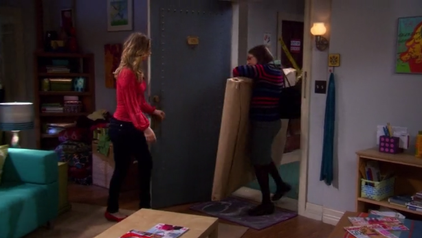 File:Amy enters with painting.png
