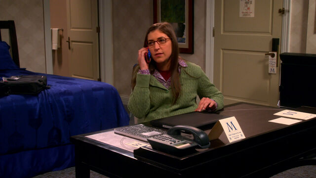 File:Amy saying goodnight to Sheldon.jpg