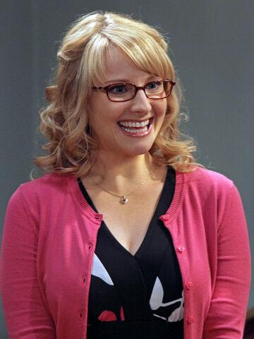 File:Melissa Rauch as Bernadette.jpg