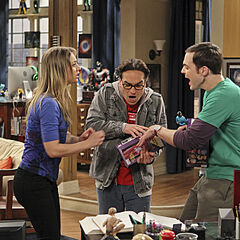 Sheldon and Leonard fighting over the transporter Penny bought them.