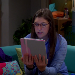 Amy reading her fan fiction.