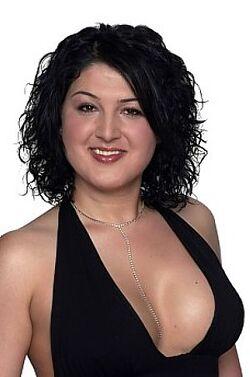Nadia Almada