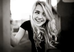 Katelyn+Tarver+PNG