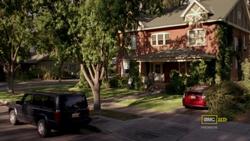 2x02 - Pinkman House