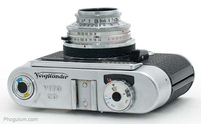 File:Voigtlander-vito-cd-top.jpg
