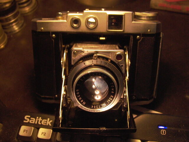 File:Z99 Mamiya Six model lll variant b.jpg