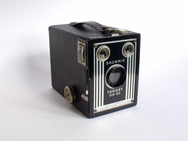 File:Kodak Brownie Target Six-20.JPG