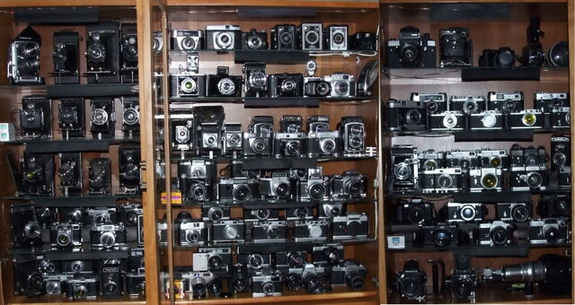 File:Camera collection 26.jpg