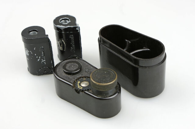 File:Photavit III Schneider Xenar f3,5-37,5mm Compur Rapid 10.jpg