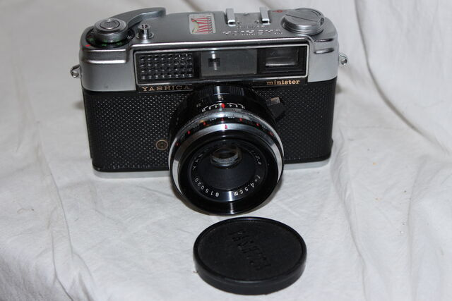 File:Cameras 029.jpg