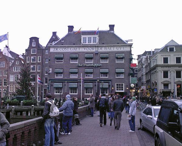 File:Amsterdam. The Grasshopper. By day. 31 December 2006.jpg