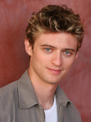File:Crispin Freeman.png