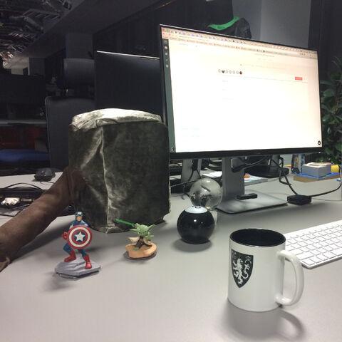 File:Desk02.jpg