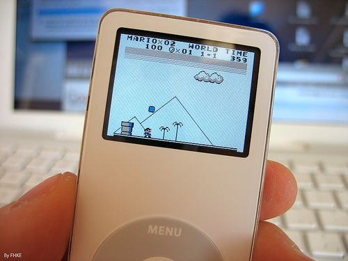 File:Playing Super MarioLand on iPod nano!.jpg