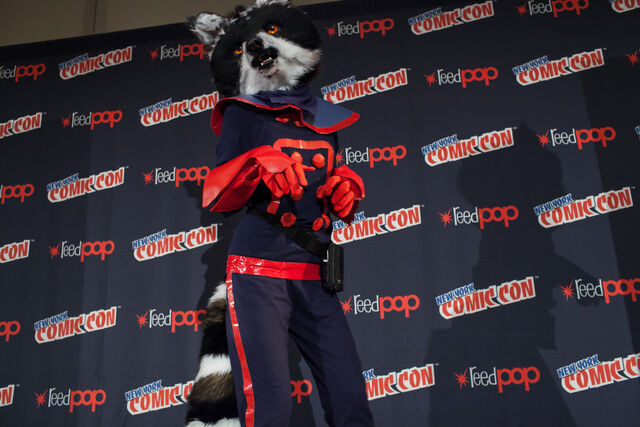 File:Cosplay Rocket Racoon.jpg