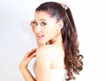 Ariana-grande.jpg