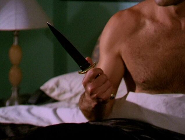 File:3x07-Knife.jpg