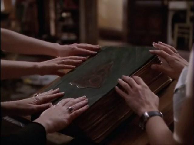 File:Charmed 7x22 5 0001.jpg