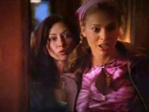 File:Prue & Phoebe (during Season 3).jpg