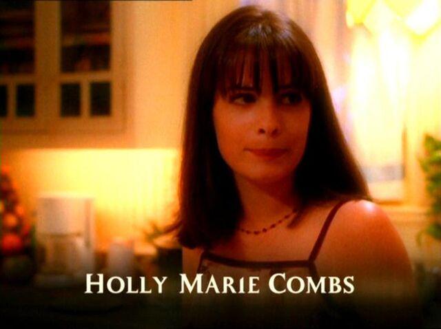 Фајл:HollyMarieCombs201.jpg
