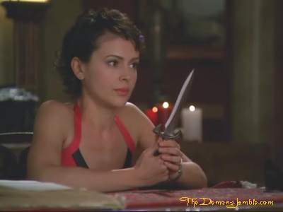 File:Phoebe with athame.jpg