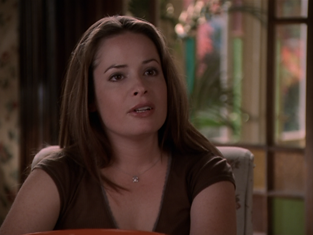 File:8x06PiperHalliwell.png