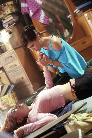 File:Charmed-Still520 0j03.jpg