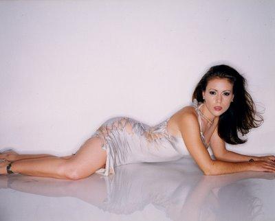 File:Alyssa Milano-Phoebe 113.jpg