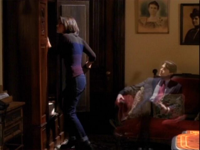 File:1x10-AstralRexCouch.jpg
