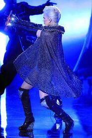 Christina+Aguilera+2010+MTV+Movie+Awards+Show+DnXc7bZST8Xl
