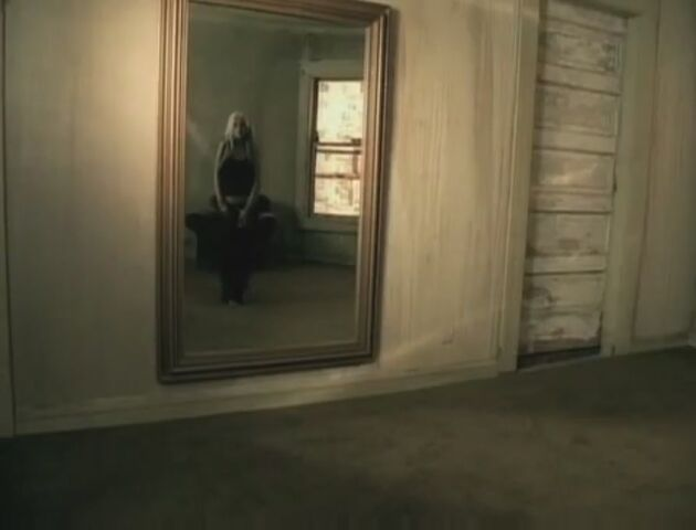 File:Beautiful-Music-Video-christina-aguilera-26415568-893-680.jpg