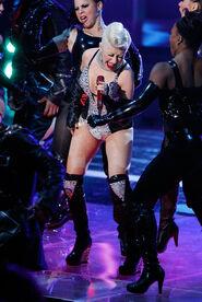 Christina+Aguilera+2010+MTV+Movie+Awards+Show+q7ggDxq0KXCl