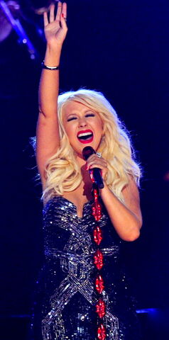 File:Christina-aguilera-grammys-performance-2011-04.jpg