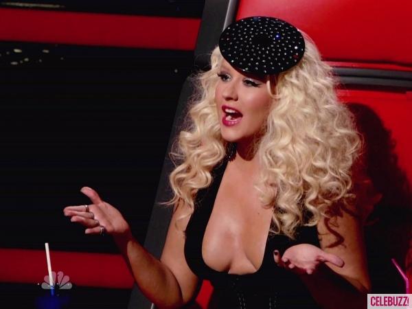 File:Christina-Aguilera-031912-600x450.jpg